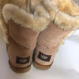 Beige Uggs Suede size 7 Faux Fur